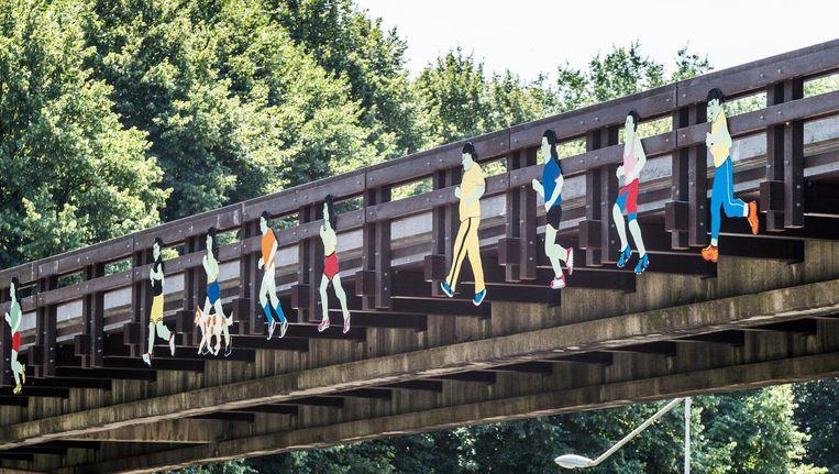 In 2008 werden de figuren gemoderniseerd en in hufterproof metaal uitgevoerd Beeld Tammy van Nerum