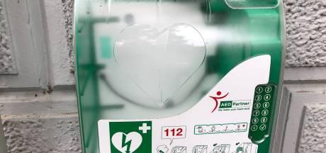 Bewoners De Fazant Almelo in actie voor AED