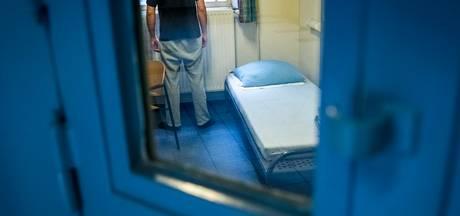 Vreemdeling vaak korter in cel