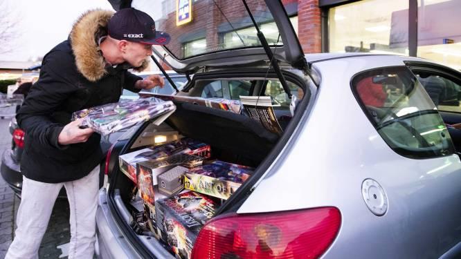 """Nederlandse burgemeesters: """"België, verbied verkoop vuurwerk aan Nederlanders"""""""