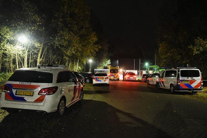 Politie rukte uit naar azc Oisterwijk nadat jonge asielzoeker met mes zwaaide. Daarna volgde een week van extra beveiliging.