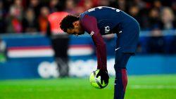 Het zal je maar overkomen: Neymar door eigen fans uitgefloten bij 7-0 voorsprong omdat hij Cavani niet aan record helpt