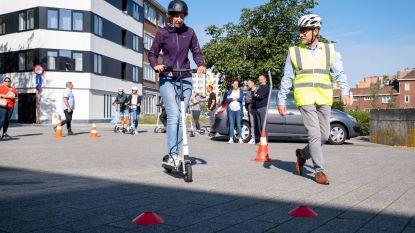 """VSV start met opleiding voor elektrische steps: """"Opvallend veel ongevallen met hoofdletsels, die willen we vermijden"""""""
