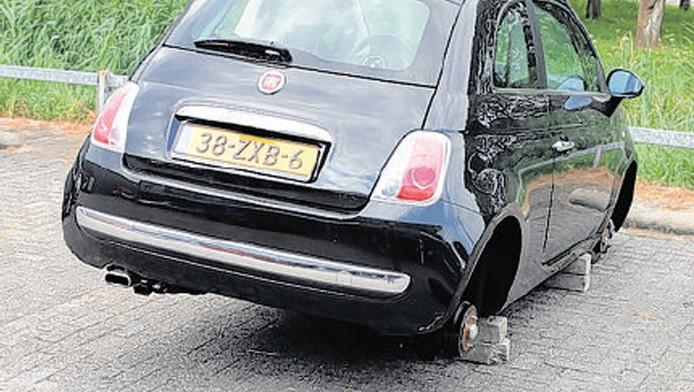 In de zomer werden wielen gestolen bij Monster Auto.