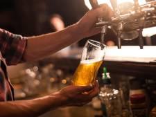"""Le propriétaire d'un café demande que le prix de la bière soit augmenté """"par respect"""""""