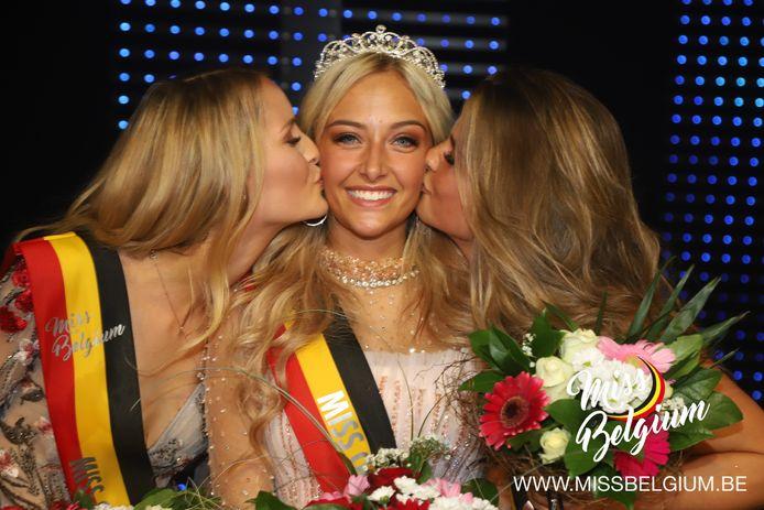 Met Pauline Noyen, Chelsy De Witte en Inara Wytinck dingen drie Meetjeslandse meisjes naar het felbegeerde kroontje van Miss België.