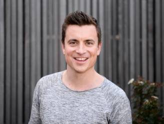 """Niels Destadsbader heeft nog een goede band met al zijn exen: """"Ik was getuige op een trouwfeest, en ben peter van een kind"""""""