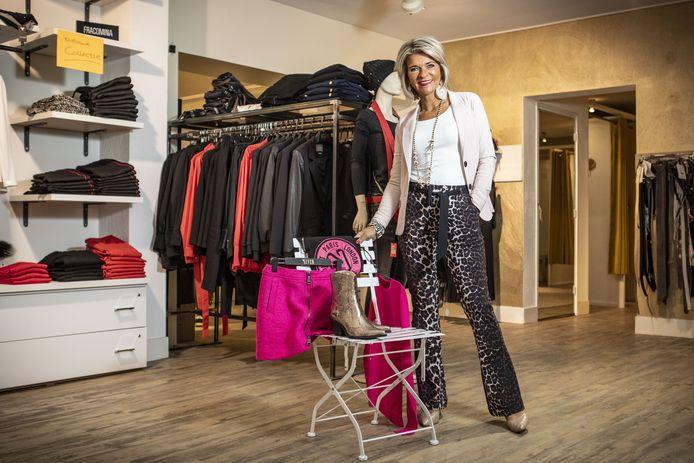 Debby van der Zande in haar winkel DeJacque.