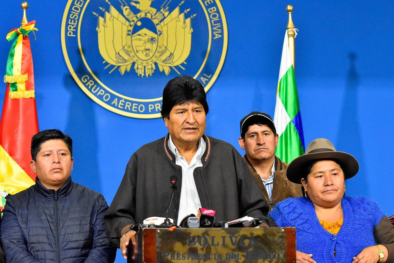 De Boliviaanse president Evo Morales zondag tijdens de verklaring waarin hij aankondigde zich 'in het landsbelang' terug te trekken. Beeld EPA