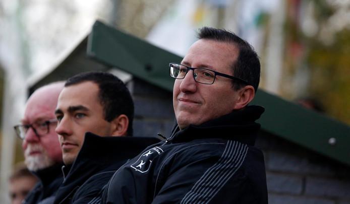 Dominique D'Hooge (rechts) is ook volgend seizoen trainer van Zaamslag.