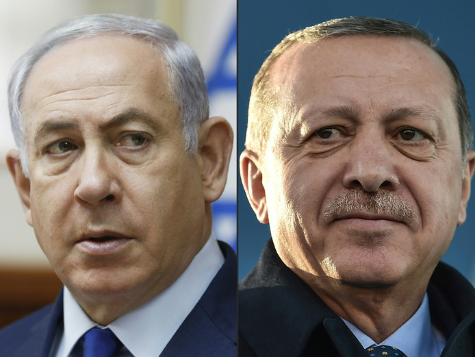Premier Benjamin Netanyahu (L) van Israël en de Turkse president Recep Tayyip Erdogan (R)