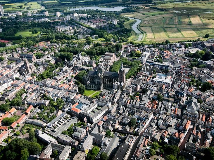 Advies voor toekomstig burgemeester Den Bosch: 'Zitten op 'n bierkratje in de wijk en praten'