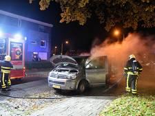 Bestelbus in brand in Tilburg