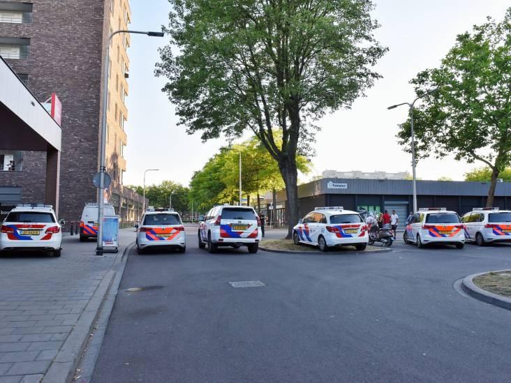 Verdachte opgepakt na schietincident op parkeerplaats bij Albert Heijn in Tilburg: 'Het klonk als een kalasjnikov'