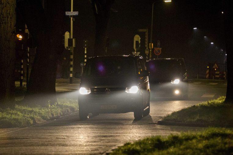 In deze auto arriveerde Dominic Ongwen vandaag in Den Haag. Beeld epa