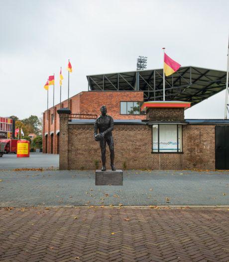 Deze drie clubiconen van GA Eagles onthullen het standbeeld van Leo Halle in Deventer