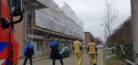 Deel steiger raakt los door harde wind in Enschede