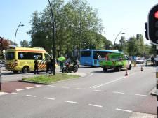Fietser gewond na aanrijding met streekbus in Zwolle