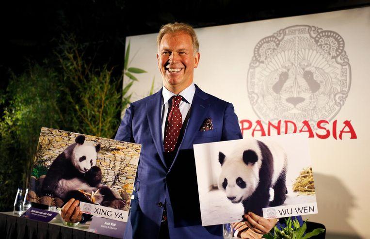 Marcel Boekhoorn tijdens de persconferentie over de komst van de twee reuzenpanda's. Beeld anp