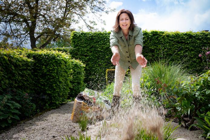 Tuinexpert Laurence Machiels geeft tips om je tuin een tweede leven te bezorgen.