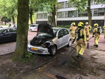 Auto vat vlam in Leidschendam