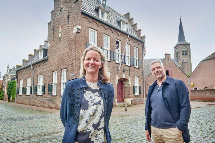 John Sernee en Nancy Krijnen wonen in het voormalige gemeentehuis te Megen. Fotograaf: Van Assendelft/Jeroen Appels