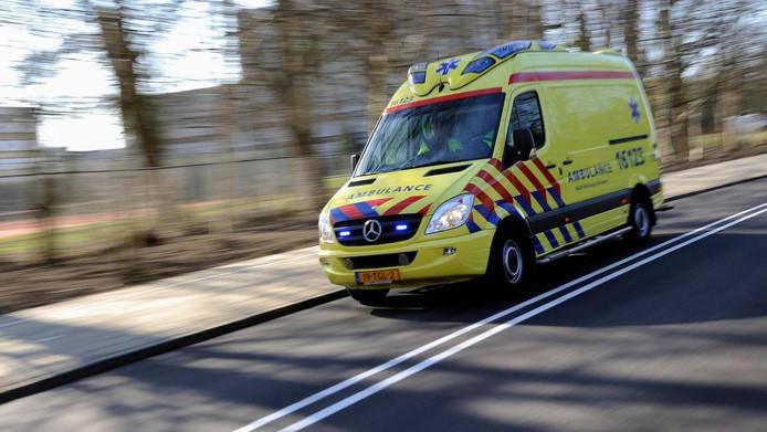 Ter illustratie. Een ambulance op weg naar een spoedgeval.