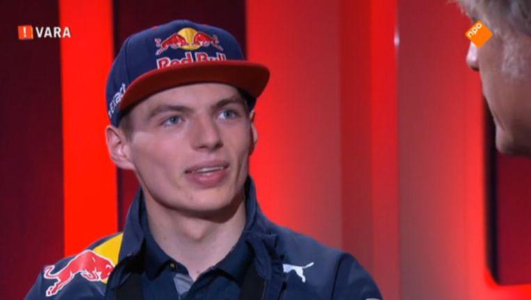 Max Verstappen in gesprek met Jeroen Pauw. Beeld NPO