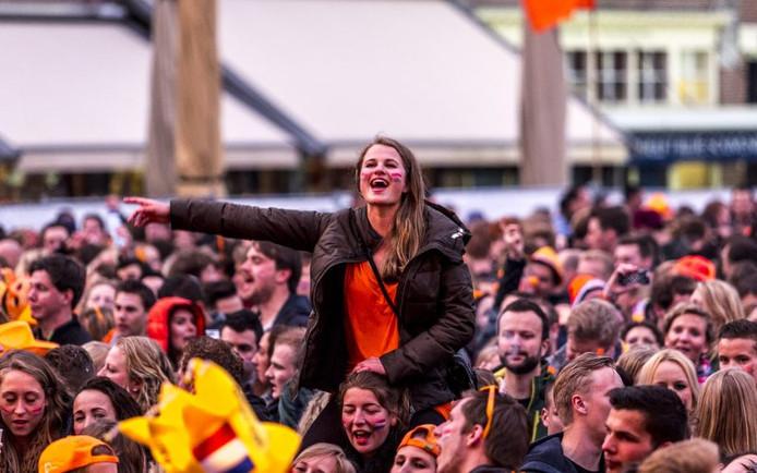 Oranjekoorts in Delft.