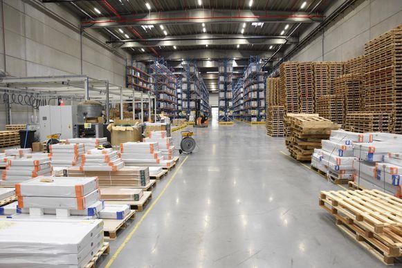 Het Europees distributiecentrum (EDC) in LAR-Zuid langs de autosnelweg in Aalbeke is de nieuwe parel van de gespecialiseerde groothandel Van Marcke