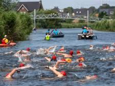 Geest van Maarten van der Weijden waart rond bij zwemtocht in de Oude IJssel