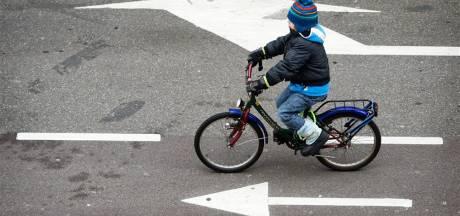 Rondfietsende kleuter plaatst politie voor raadsel: niemand miste 4-jarig jochie