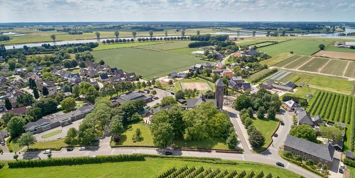 Balgoij is door de Maas gescheiden van Keent.