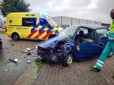 Twee auto's zwaar beschadigd door ongeluk in Tubbergen: één persoon gewond