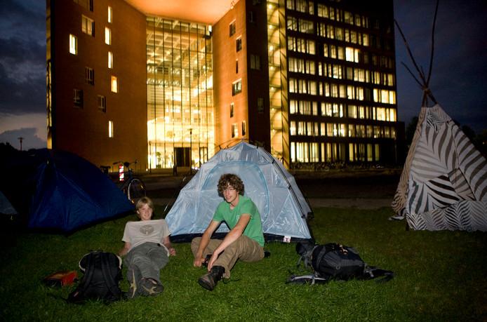 WAGENINGEN  Wageningse studenten maken zich grote zorgen over de kamernood in hun studiestad en voeren al jaren actie.