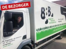 Uniek! Pieter (51) bezorgt 'ouderwets' producten bij boeren: 'Het beroep sterft uit, maar mijn bedrijf is springlevend'