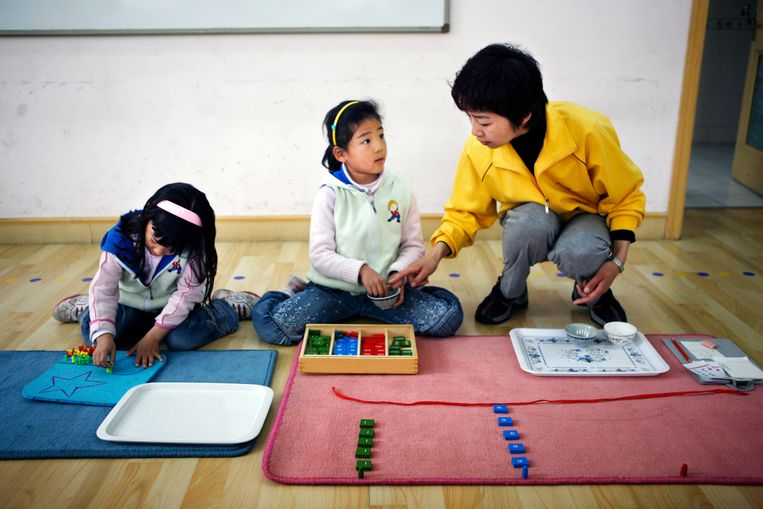 Een basisschool met de Montessori-methode in Peking. Foto: Jurgen Caris, Trouw Beeld