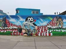 Bumper bezoekt kampioensgraffiti Feyenoord