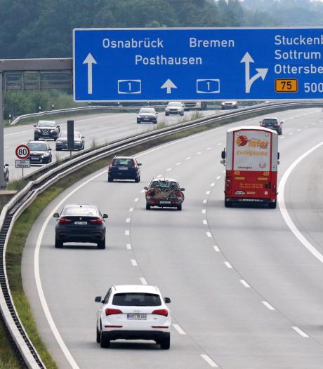 Nederlandse (70) omgekomen in Duitse file door vrachtwagenongeluk