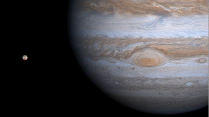 Enorme vlek van Jupiter krimpt steeds sneller