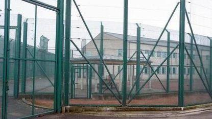 Illegale man overlijdt in isoleercel van gesloten centrum