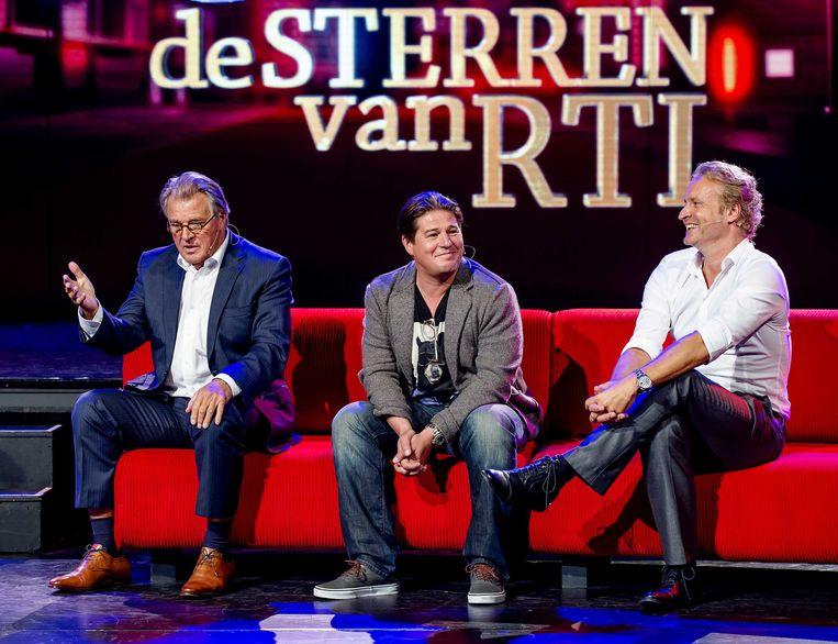 Jeroen en Martijn Krabbé en Erland Galjaard tijdens de perspresentatie van het nieuwe RTL-seizoen. Beeld anp
