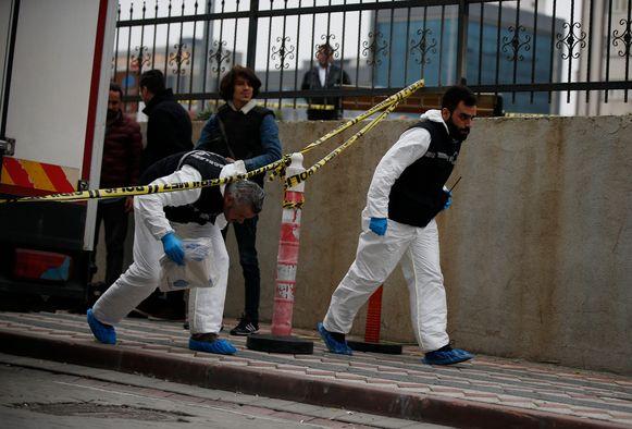 Turkse politie tijdens één van de onderzoeken.