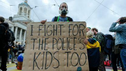 Extinction Rebellion dient klacht in tegen politie en burgemeester Close na aanhoudingen Black Friday
