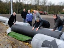 Arnhem bindt strijd aan met rondslingerende kunstgraskorrel