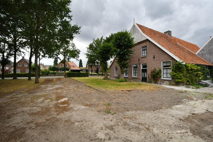 Ophef in De Lutte over nieuwe jeu de boulesbaan op het terrein van Erve Boerrigter.