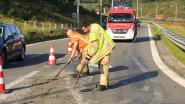 Betonmixer verliest deel van lading op afrit van snelweg