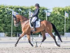 Nieuwe stal en nieuw paard, maar Stephanie de Frel wint als vanouds