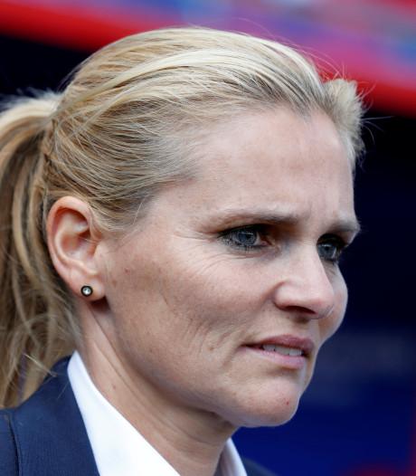 Wiegman boos op Van de Sanden: 'Schoeisel moet in orde zijn'