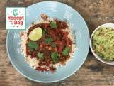 Linzenchili met guacamole en bruine rijst